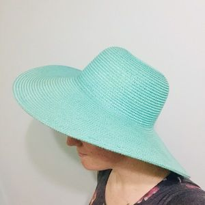 Sea foam floppy beach hat blue spring gardening